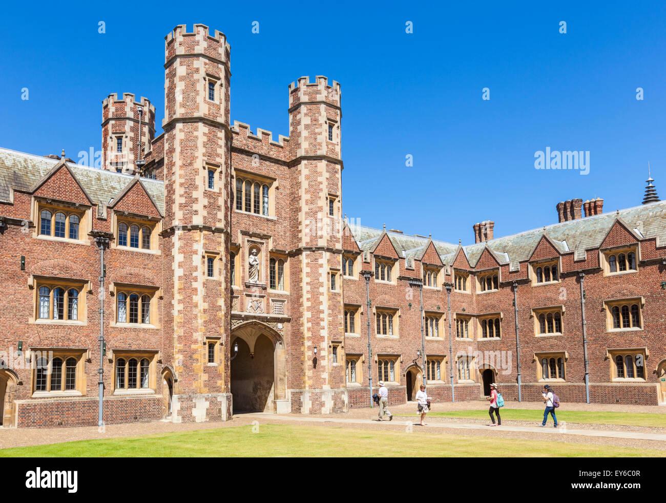Students outside The Shrewsbury tower st johns college cambridge university Cambridge Cambridgeshire England UK - Stock Image