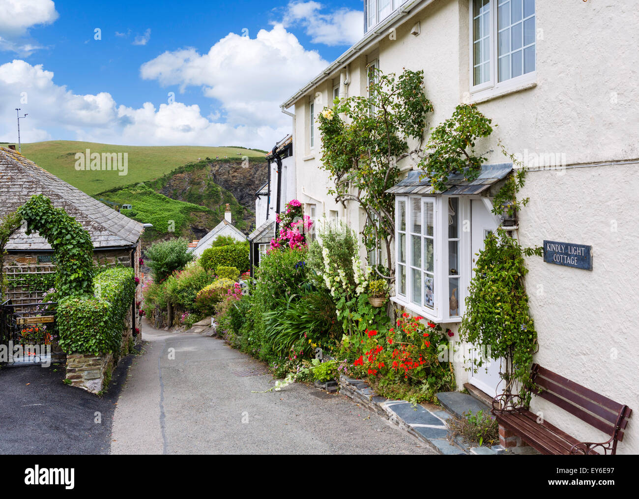 Traditional cottages on Rose Hill just above the village centre, Port Isaac, Cornwall, England, UK - Stock Image