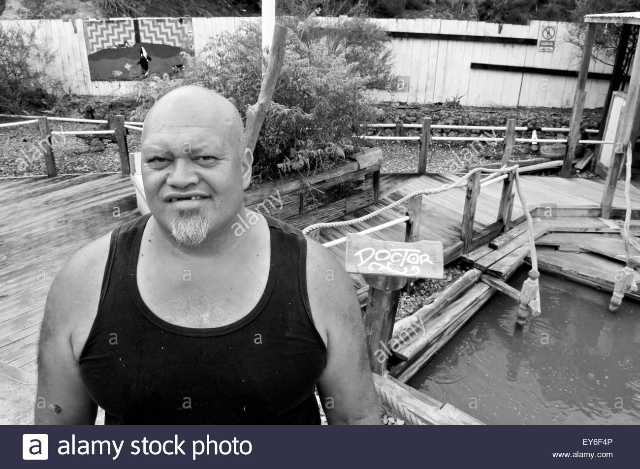 Portrait of Maori gatekeeper in Ngawha Hot Springs spa, Northland, North Island, New Zealand - Stock Image