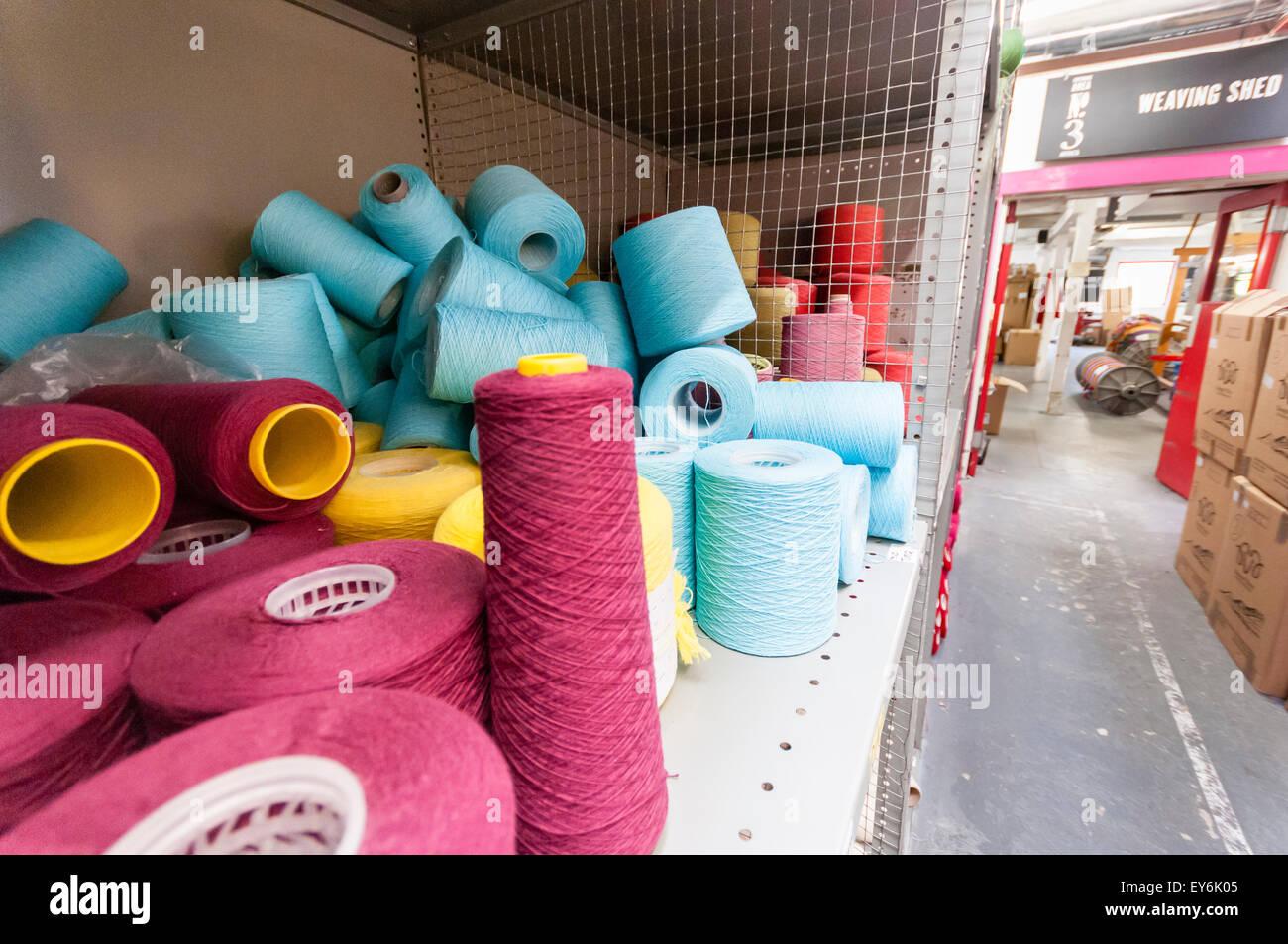 Colourful wools in Avoca Handweavers weaving factory - Stock Image