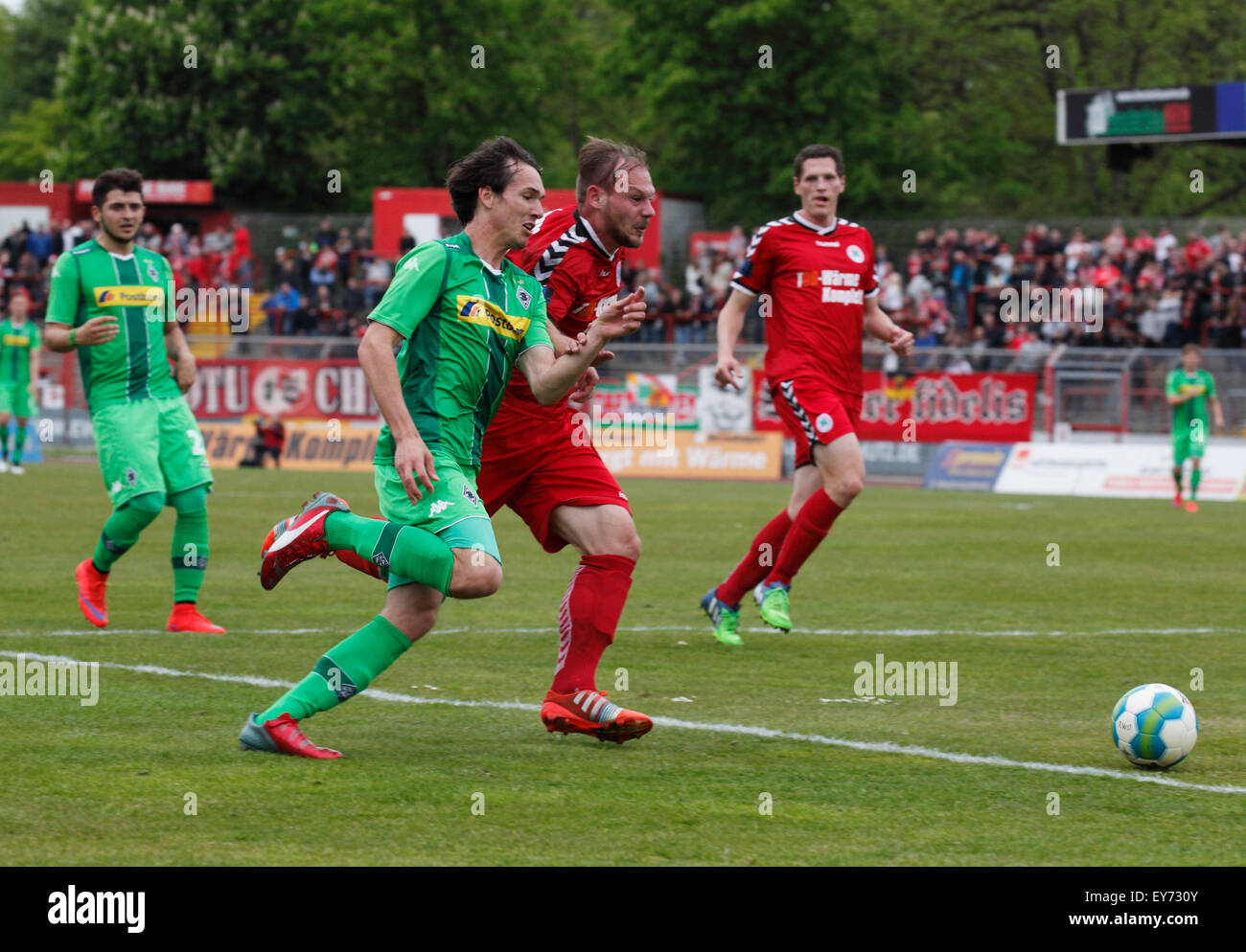 sports, football, Regional League West, 2014/2015, Rot Weiss Oberhausen versus Borussia Moenchengladbach U23 2:2, - Stock Image