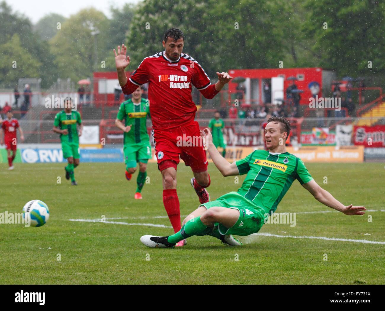 sports, football, Regional League West, 2014/2015, Rot Weiss Oberhausen versus Borussia Moenchengladbach U23 2:2, - Stock Image