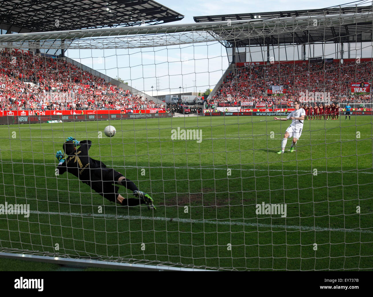 sports, football, Lower Rhine Cup, 2014/2015, final, Rot Weiss Essen versus Rot Weiss Oberhausen 6:5 on penalties, - Stock Image