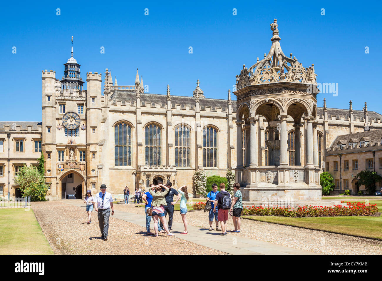 University Students in The Great Court Trinity College Cambridge University Cambridge Cambridgeshire England UK - Stock Image