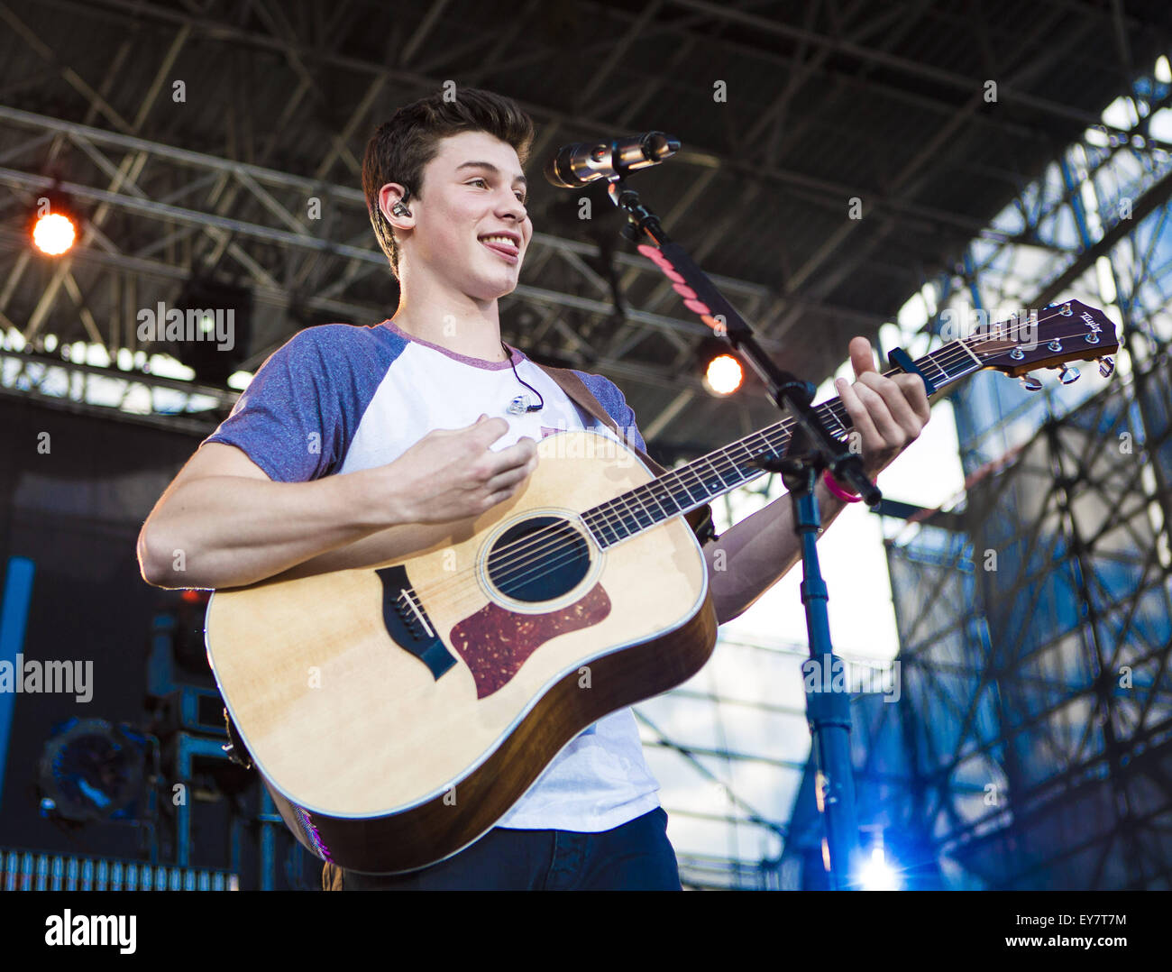 Shawn Mendes 2015 Stock Photos Shawn Mendes 2015 Stock Images Alamy