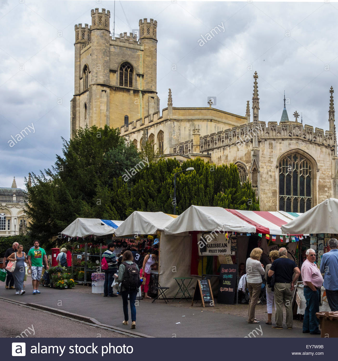 The market and Great St Mary's church, Cambridge - Stock Image