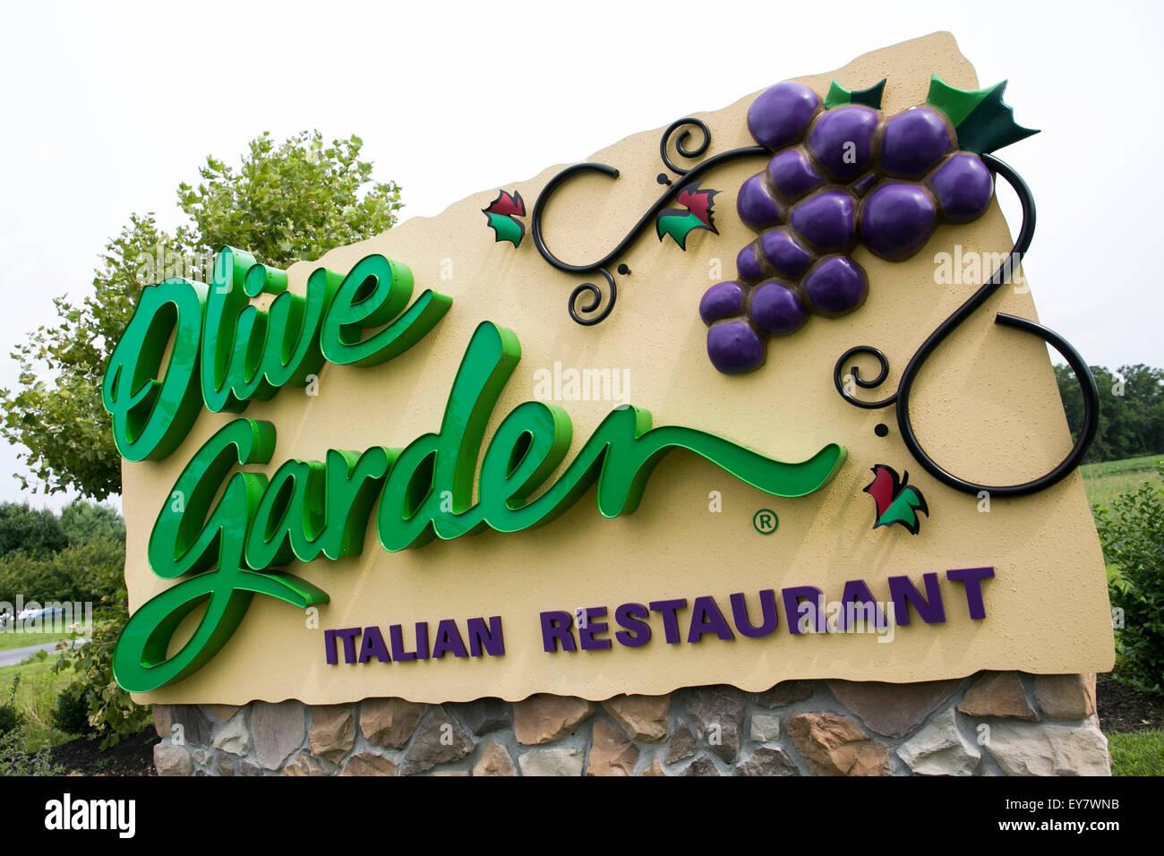 Olive Garden Restaurant Stock Photos & Olive Garden Restaurant Stock ...