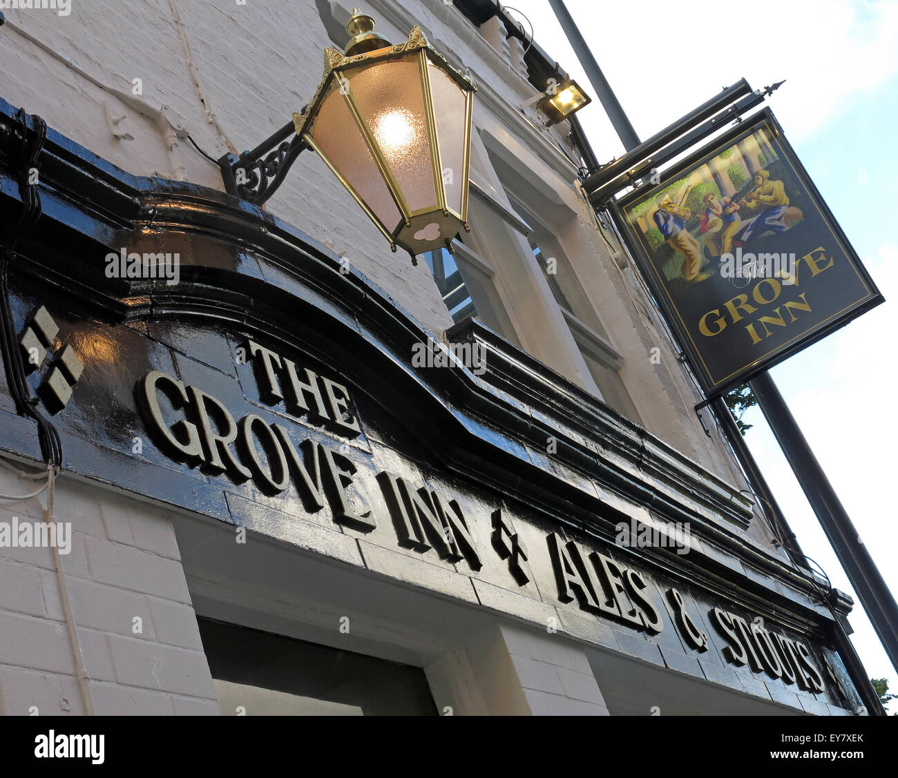 Grove Inn Pub, Back Row, Leeds, West Yorkshire,England,UK - Looking up - Stock Image