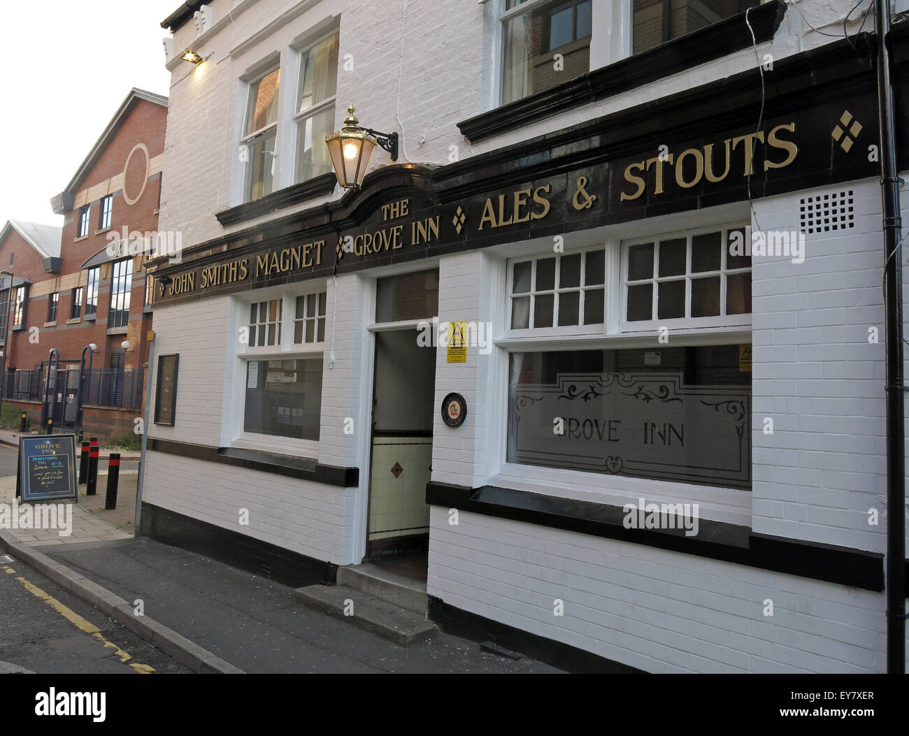 Grove Inn Pub, Back Row, Leeds, West Yorkshire,England,UK - Stock Image