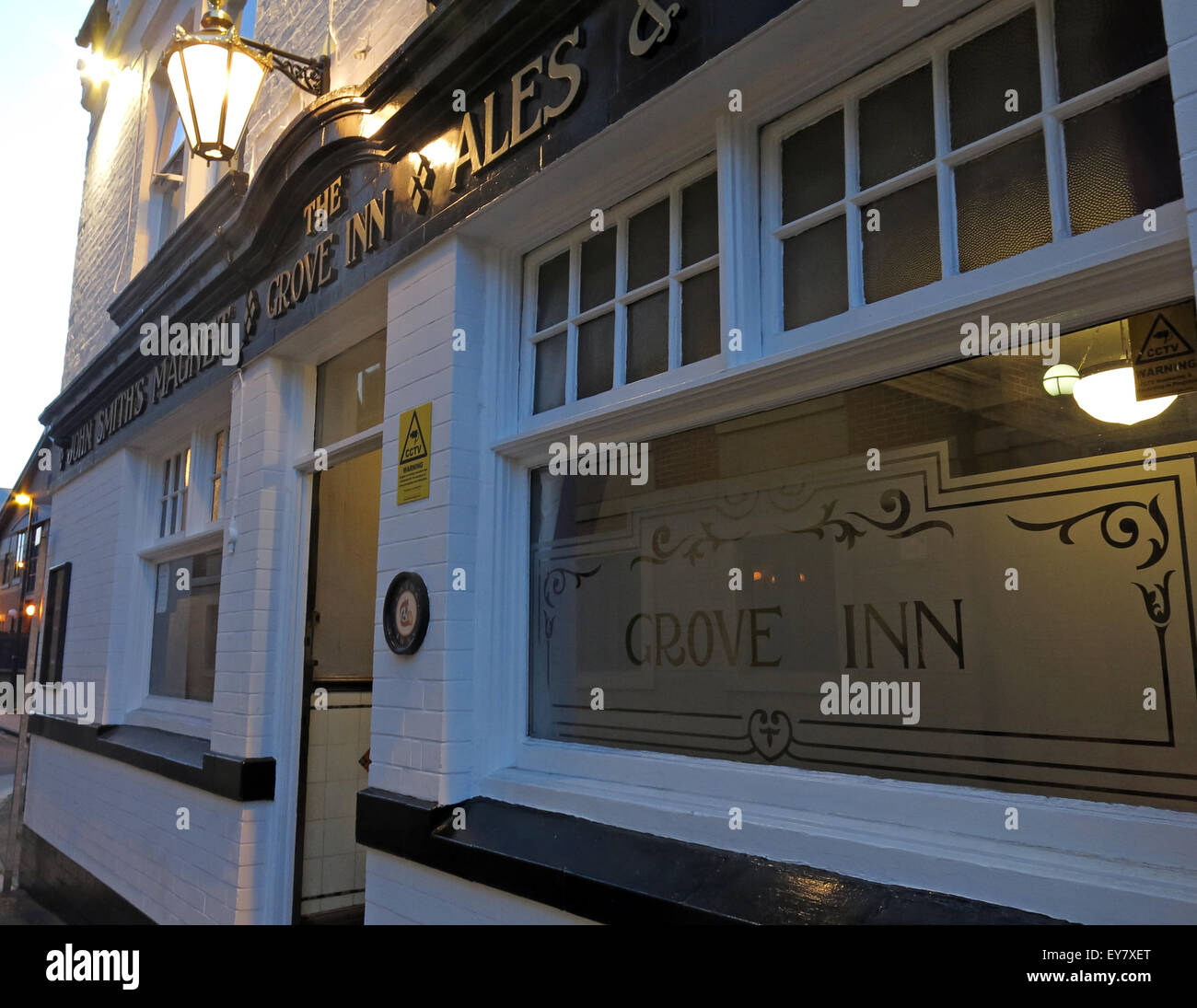 Grove Inn Pub, Back Row, Leeds, West Yorkshire,England,UK at dusk - Stock Image