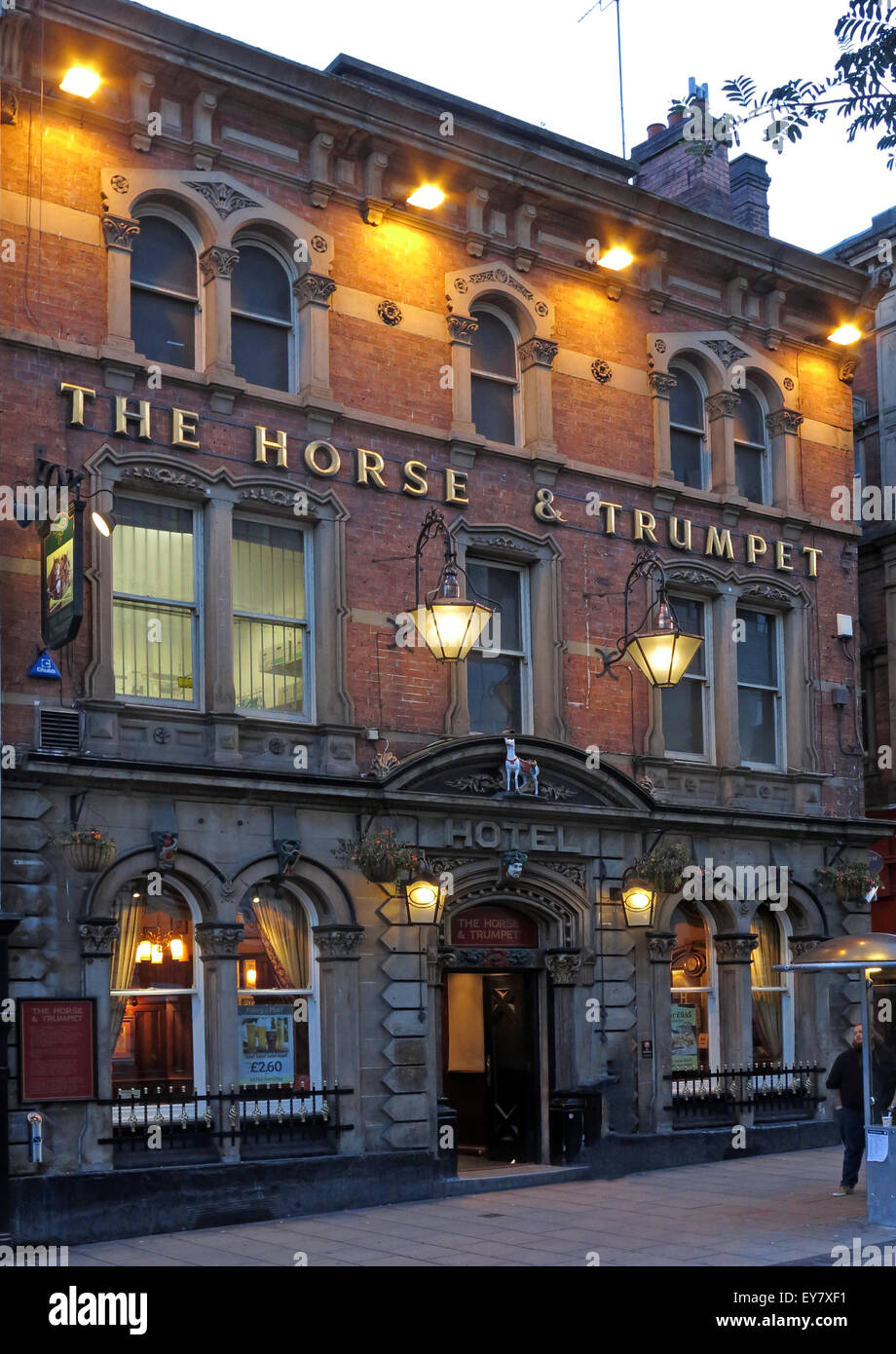 The Horse and Trumpet pub,Leeds at night, Yorkshire, England, UK Stock Photo