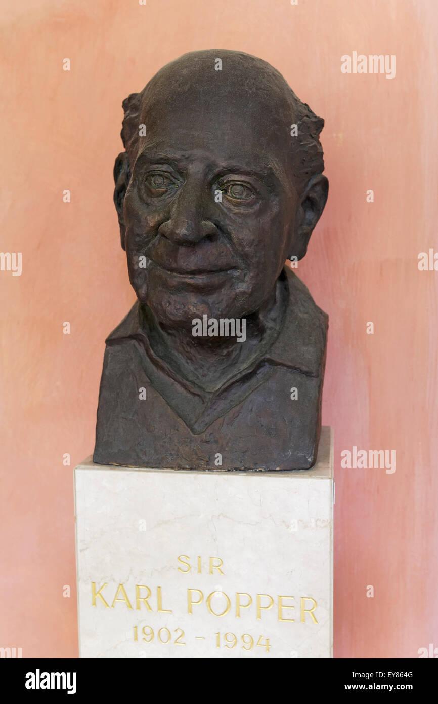 Bust of the Austro-British philosopher Karl Popper, arcaded courtyard of the Vienna University, Ringstraße, - Stock Image