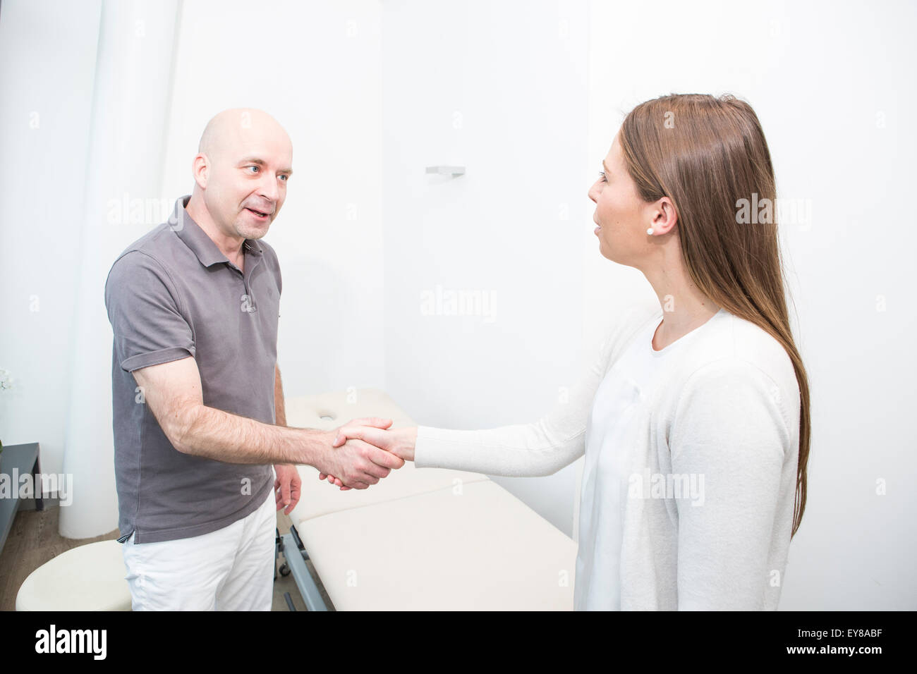 Physiotherapist and female patient - Stock Image