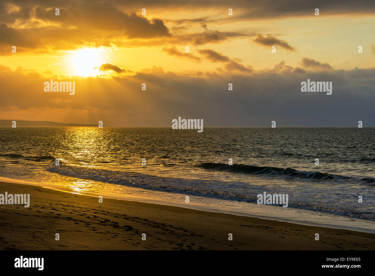 Dramatic sunset over the Pacific Ocean in Same, Ecuador - Stock Image