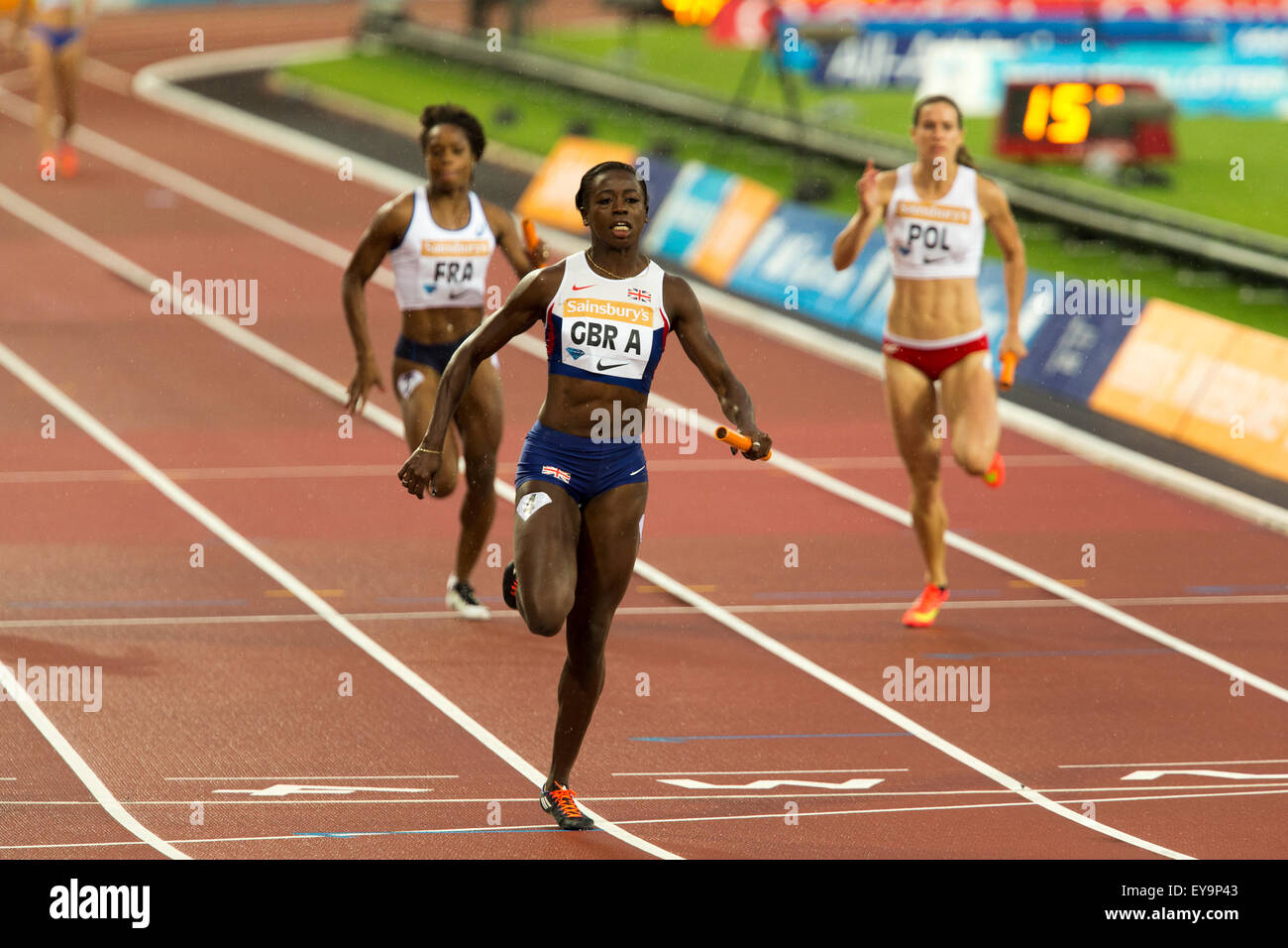 London, UK. 24th July, 2015. Desiree HENRY on the final leg for Team GBR A, Women's 4x100m relay Diamond League - Stock Image