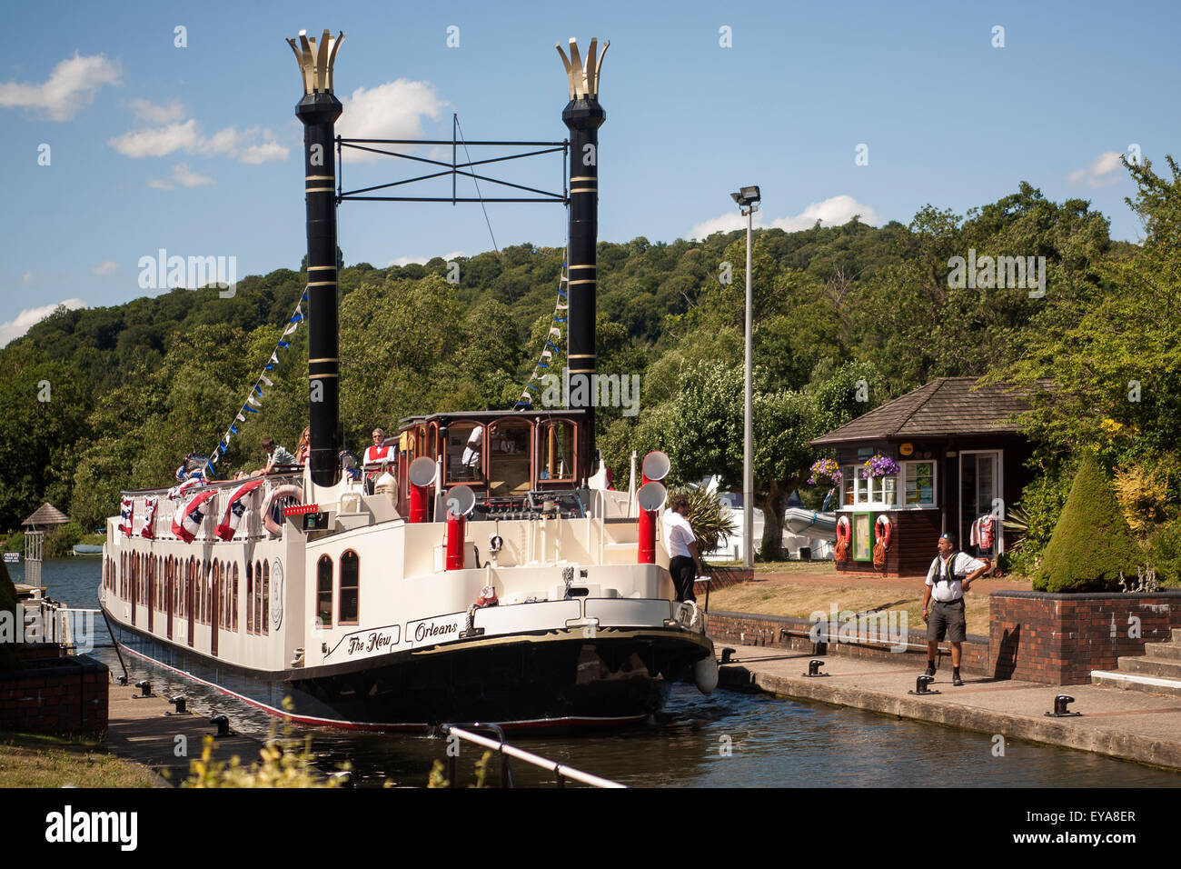 England, River Thames, New Orleans paddle steamer in Hambleden lock - Stock Image