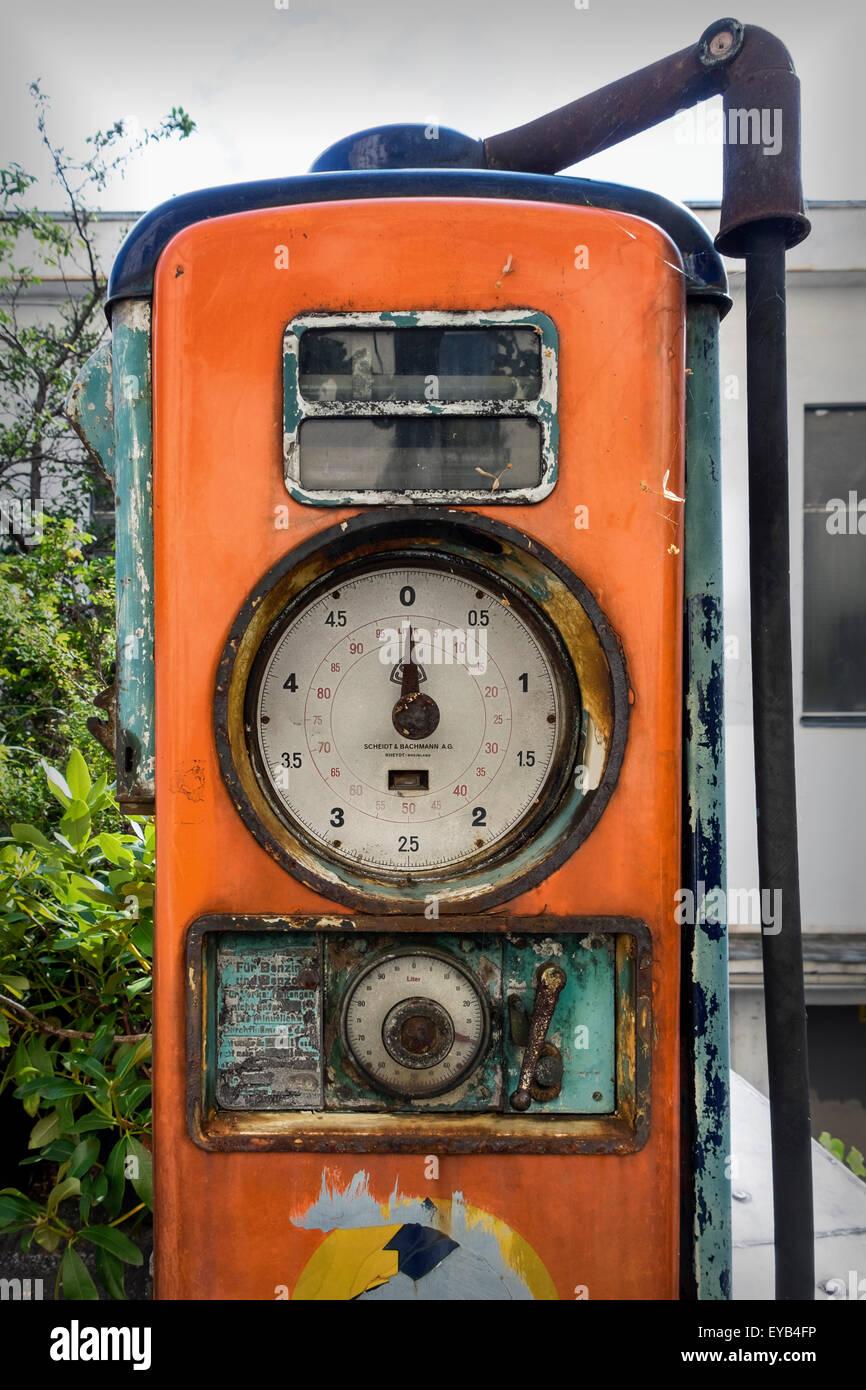 Rusty Gauge Stock Photos Amp Rusty Gauge Stock Images Alamy