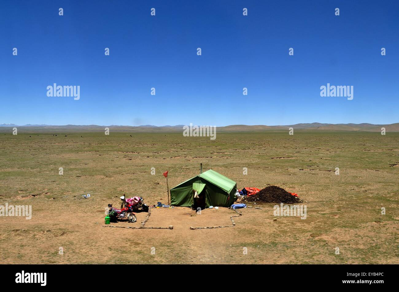 camping in the middle of the dessert in Tibet China - Stock Image