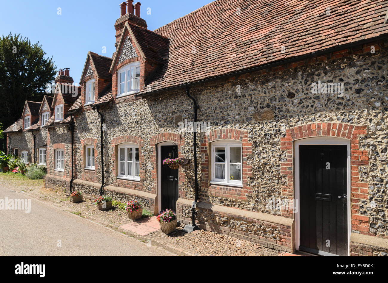 A row of cottages at Coombe Terrace, Hambleden, Buckinghamshire, England, UK. Stock Photo