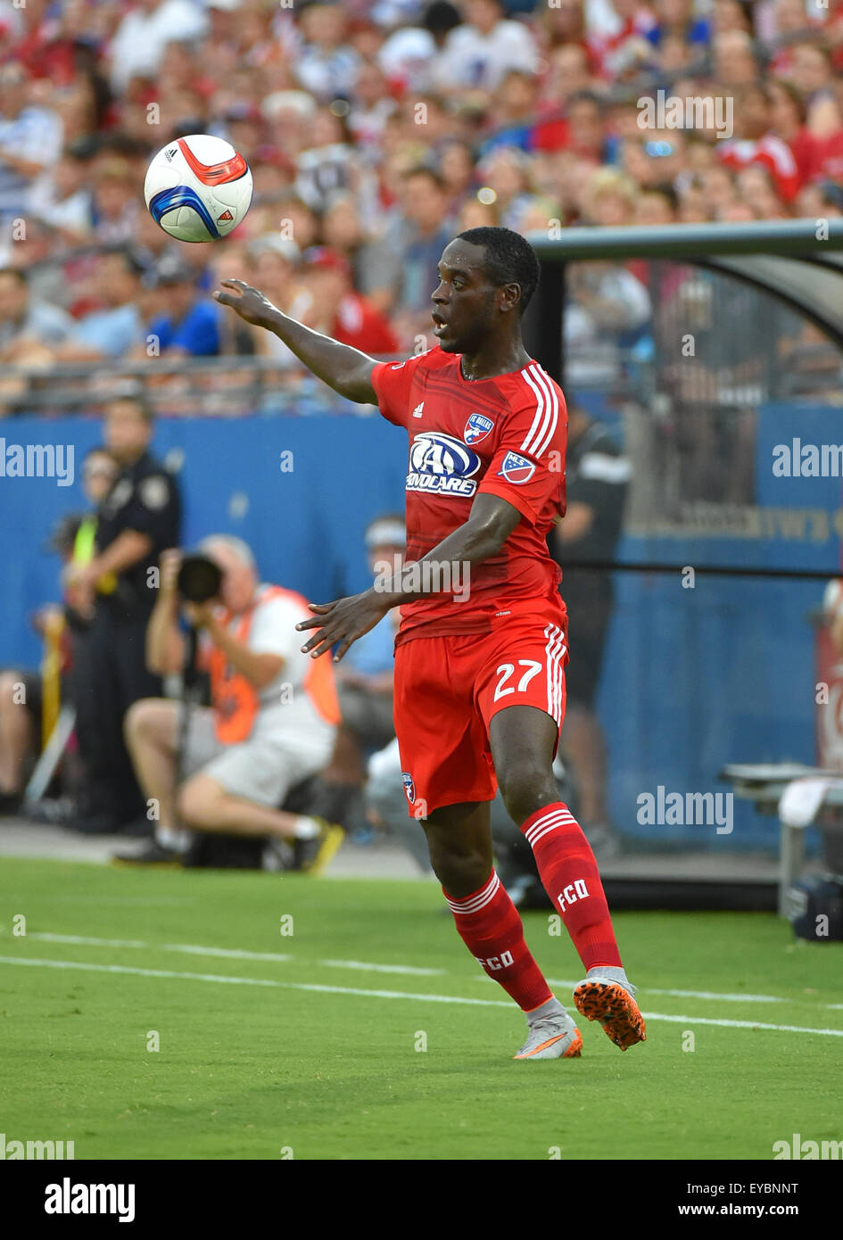 Jul 4 2015 Fc Dallas Je Vaughn Watson With The Ball During The Mls Stock Photo Alamy