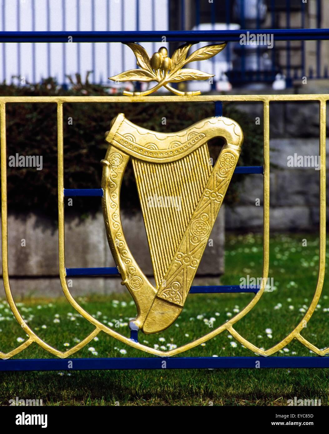 Garden Of Remembrance, Dublin, Co Dublin, Ireland; Irish Harp In A Garden - Stock Image