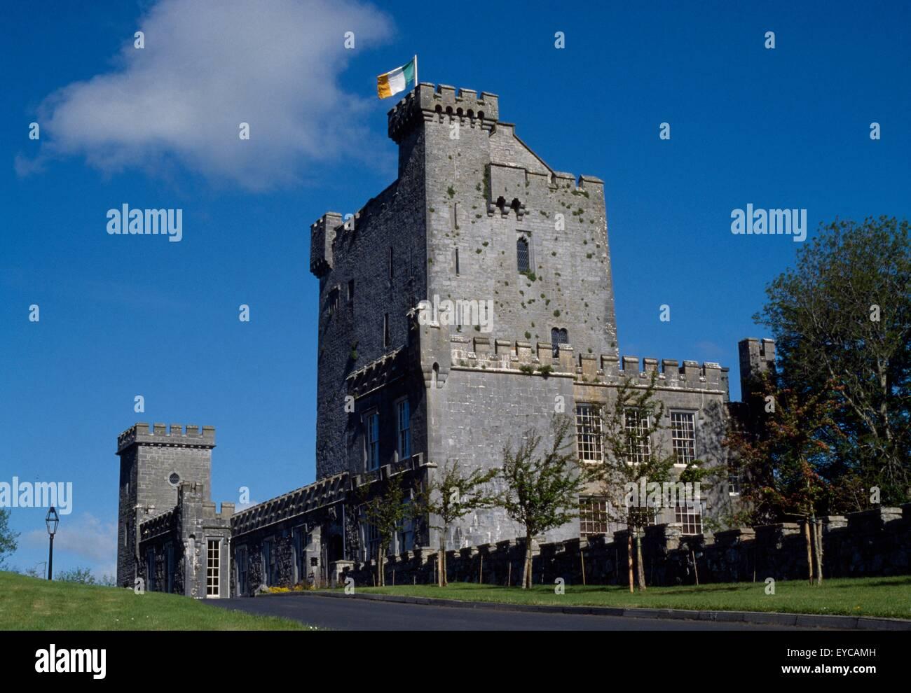 Knappogue Castle, Co Clare, Ireland; 15Th Century Castle - Stock Image