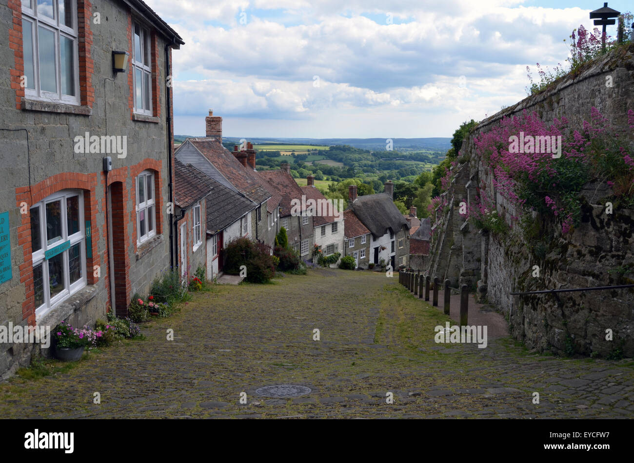 Gold Hill, Shaftesbury, Dorset, where the iconic 1973 Hovis advert was filmed. UK 2015 Stock Photo