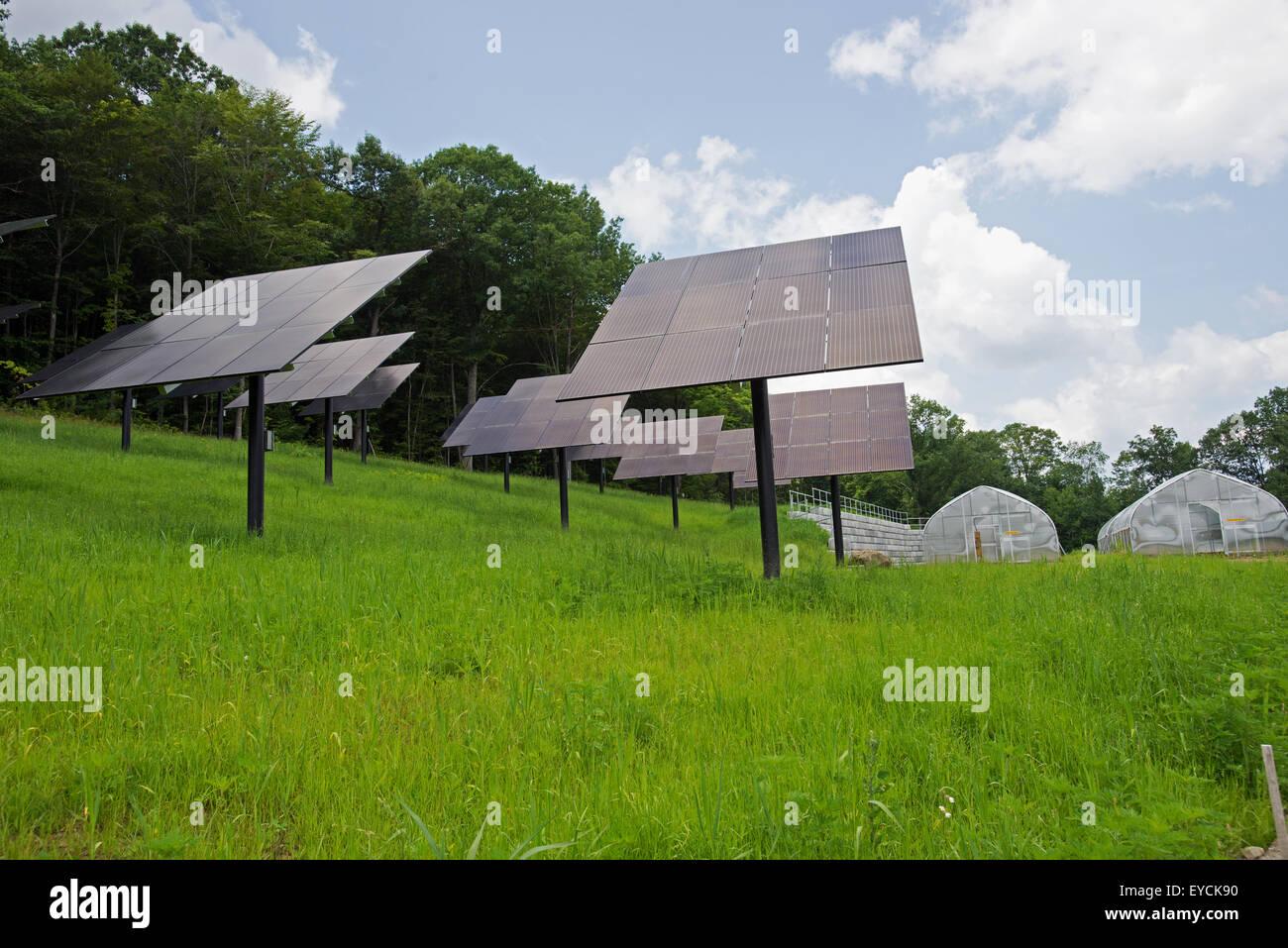 Solar power panels in Kensington Food Barn New Hampshire USA - Stock Image