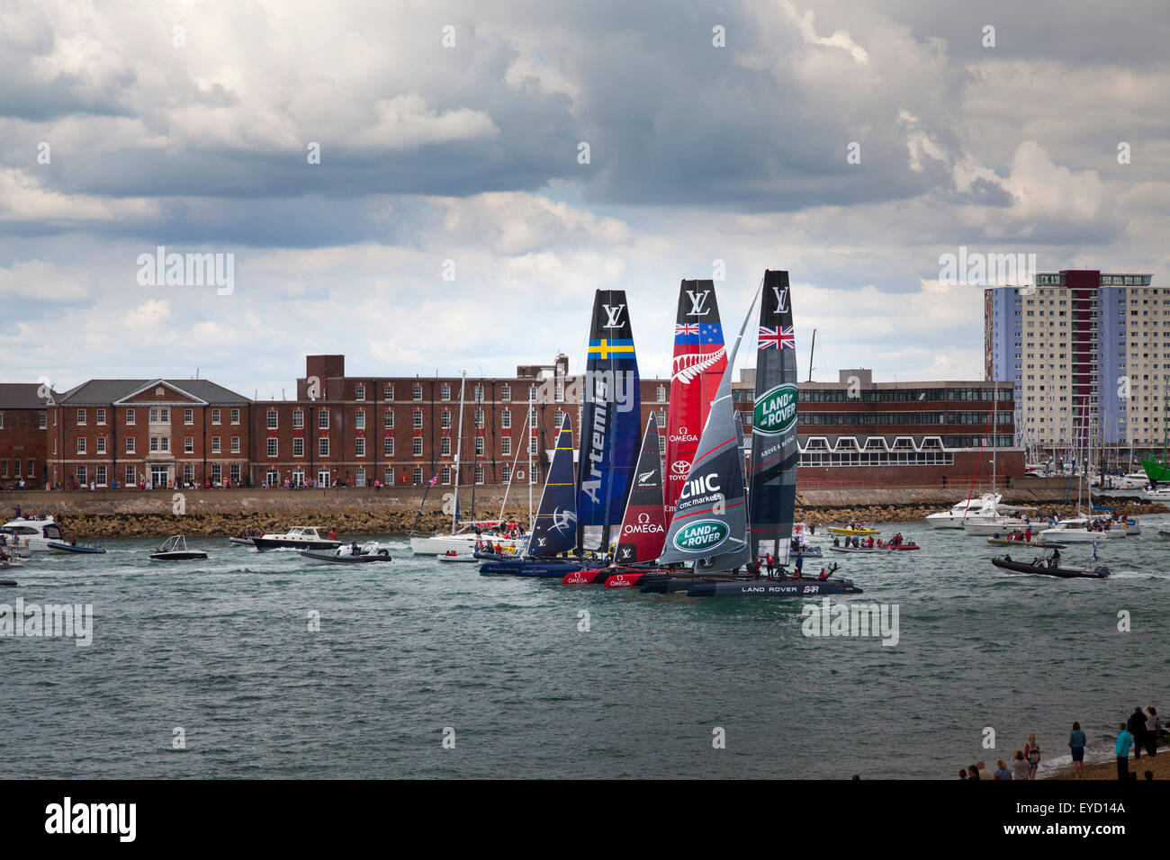 Admirals Cup races off Portsmouth on Saturday 25 July 2015 The racing yachts exit portsmouth harbour together to - Stock Image