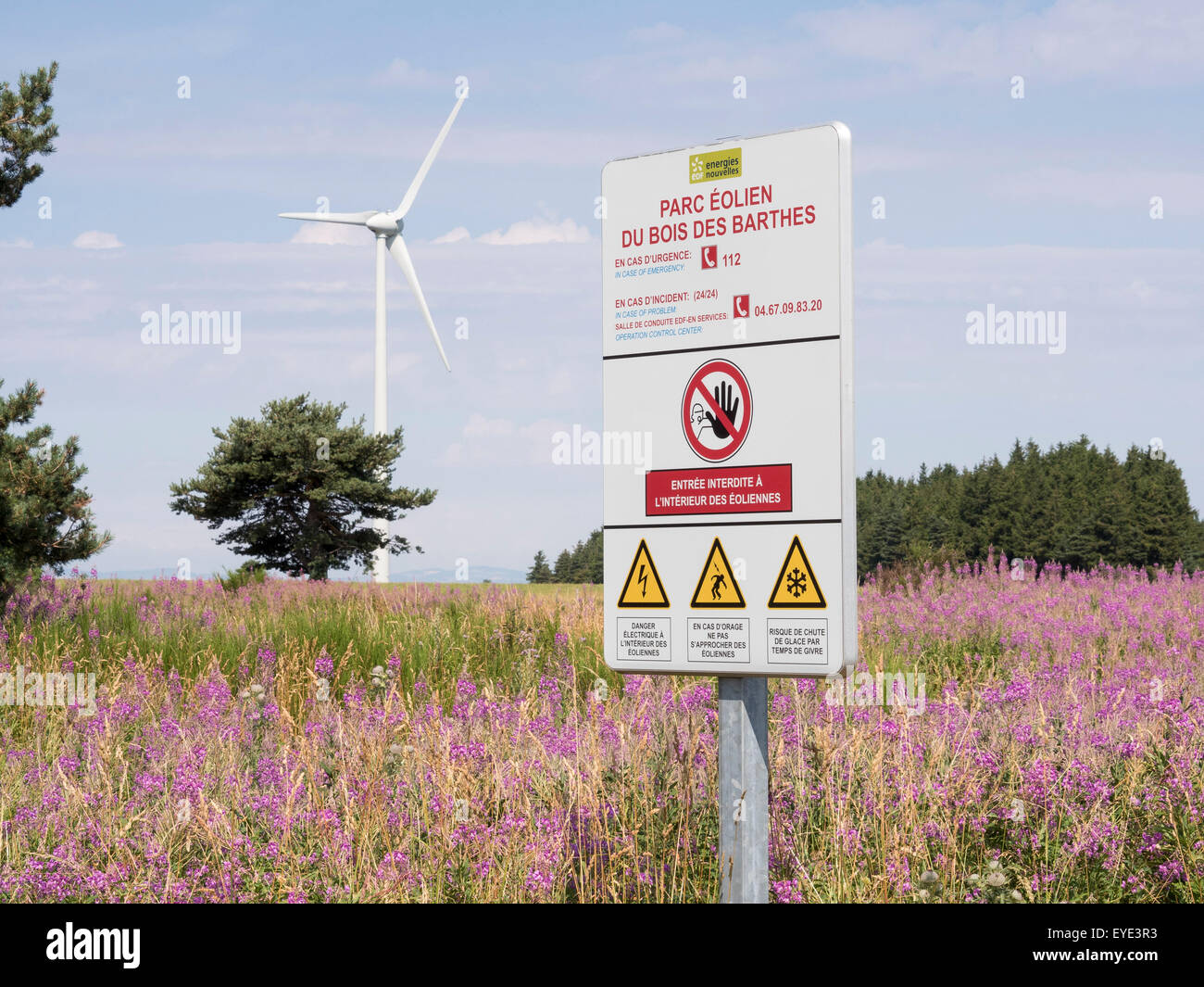 Barthes wind farm. Information board Hazards - Stock Image
