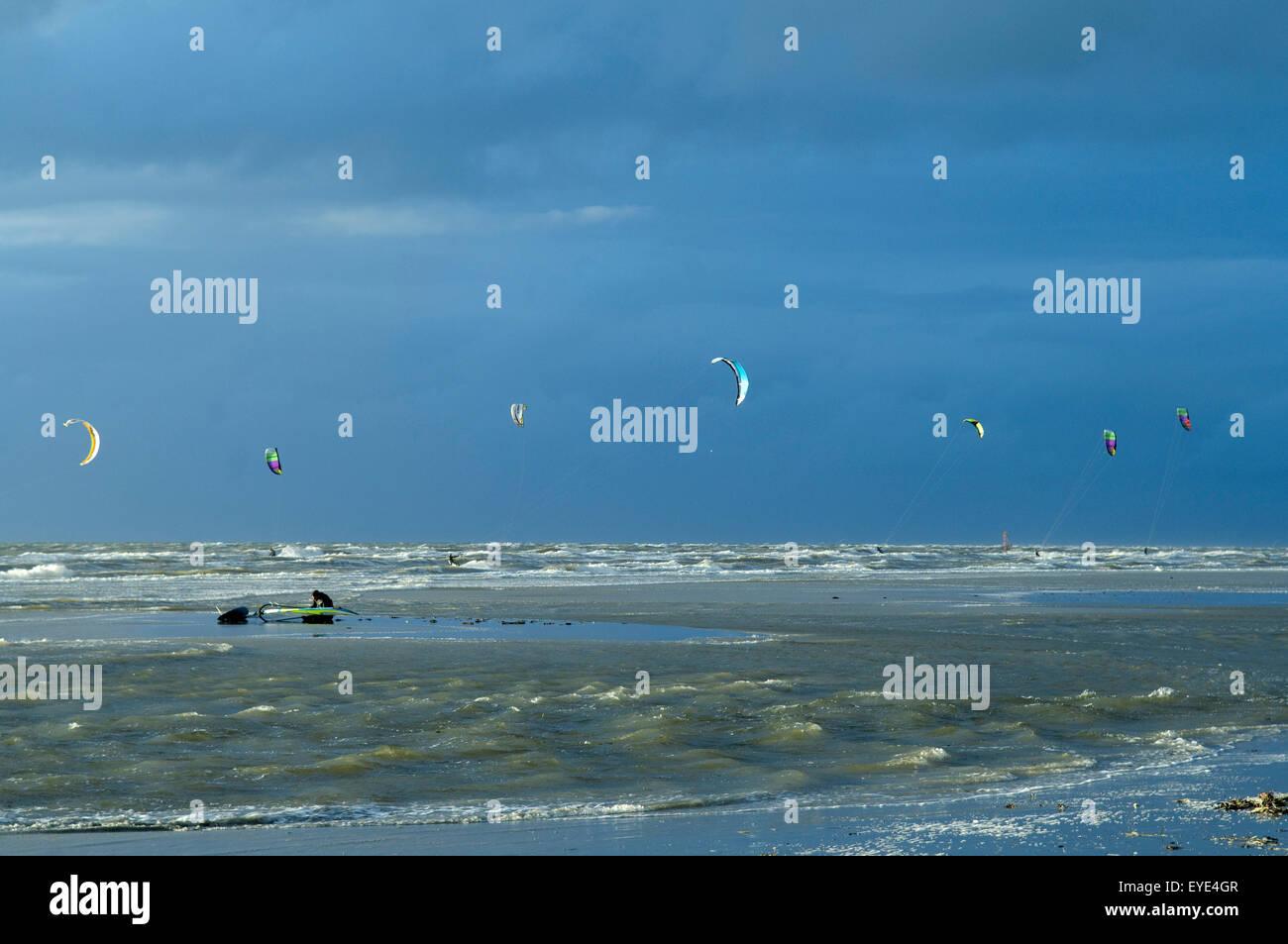 Kitesurfer, Lenkdrachensegeln, Sankt Peter-Ording - Stock Image