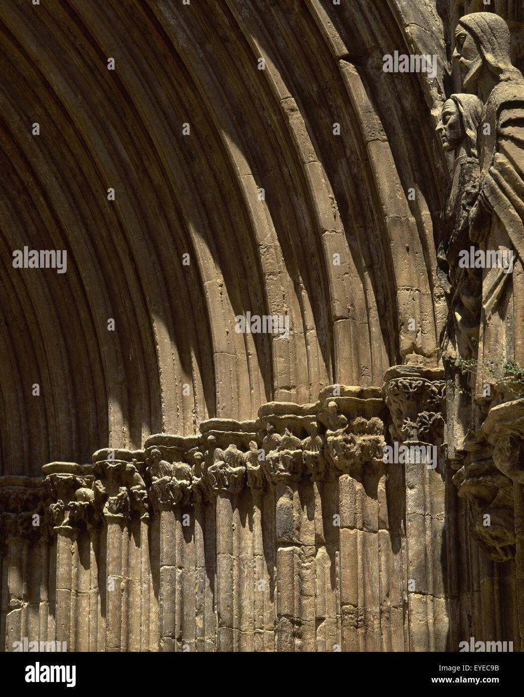 Gothic art. Spain. Aragon. Valderrobres. Church of Santa Maria la Mayor. 14th century. Archivolt. - Stock Image