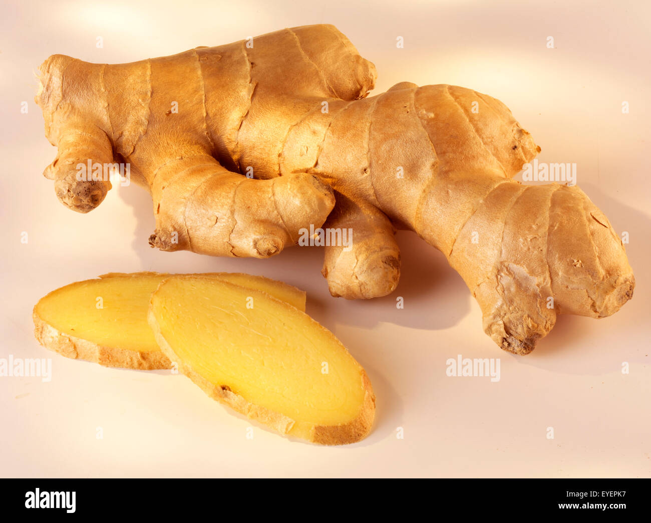 WHOLE AND SLICED GINGER - Stock Image