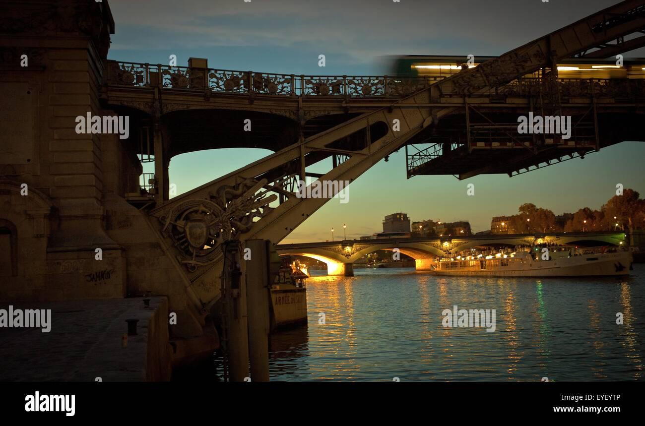 Austerlitz bridge 02/09/2012 - Sylvain Leser - Stock Image