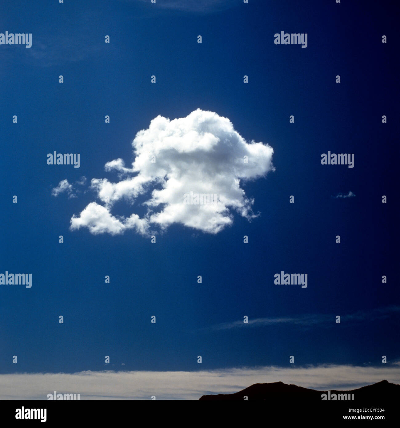 Wolke; Blauer Himmel; Landschaft - Stock Image