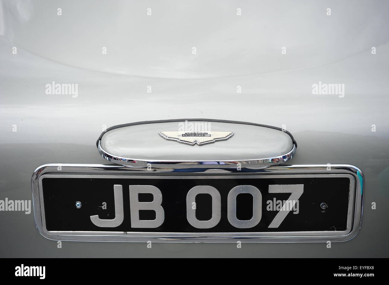 personalised james bond license plate on aston martin db5 stock