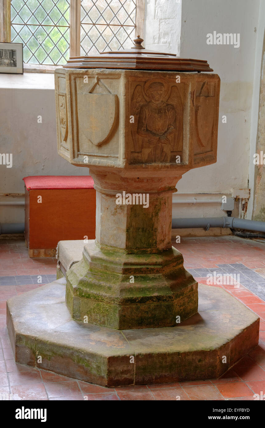 The font in Willoughby Church,Lincolnshire,UK in which Captain John Smith - a founder of Jamestown,Virginia,USA - Stock Image