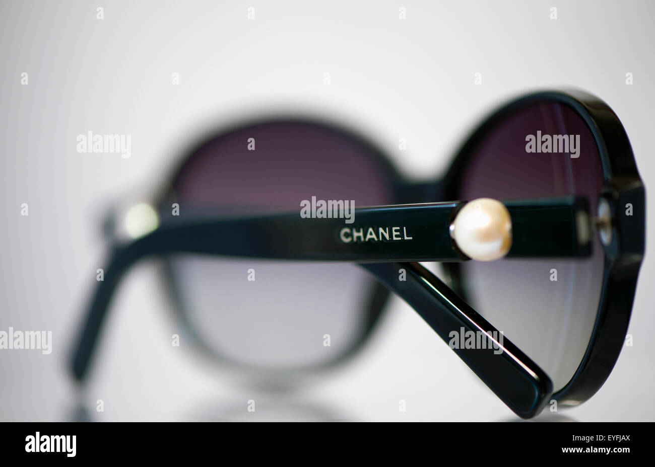 50aadca4683 Chanel Sunglasses Stock Photos   Chanel Sunglasses Stock Images - Alamy
