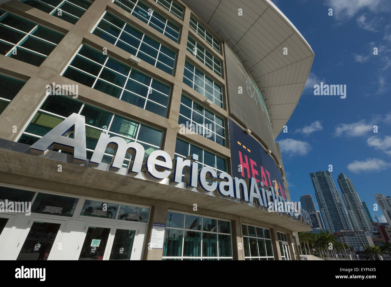 AMERICAN AIRLINES ARENA (©ARQUITECTONICA 1999) DOWNTOWN MIAMI FLORIDA USA - Stock Image