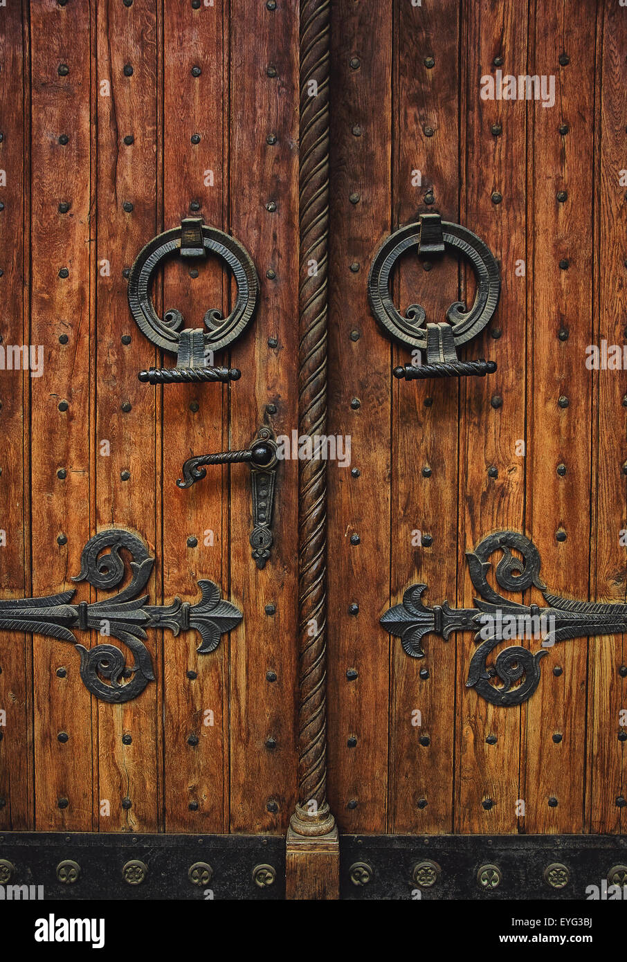 Old carved wooden church door with hinges - Stock Image & Door Hinges Stock Photos \u0026 Door Hinges Stock Images - Alamy