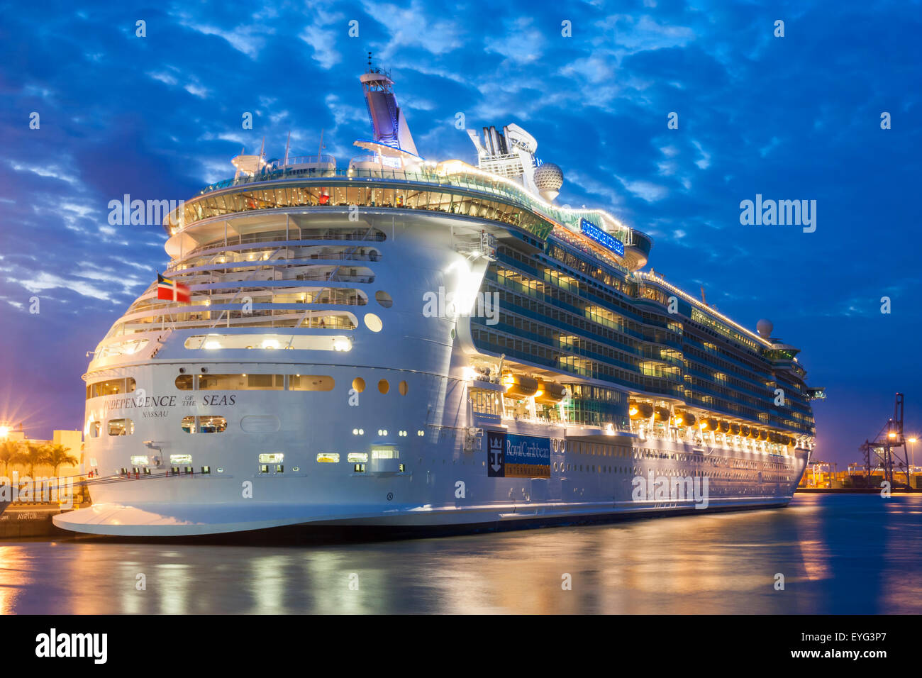 Cruise ship independence of the seas in las palmas port gran stock photo 85791391 alamy - Port of las palmas gran canaria ...