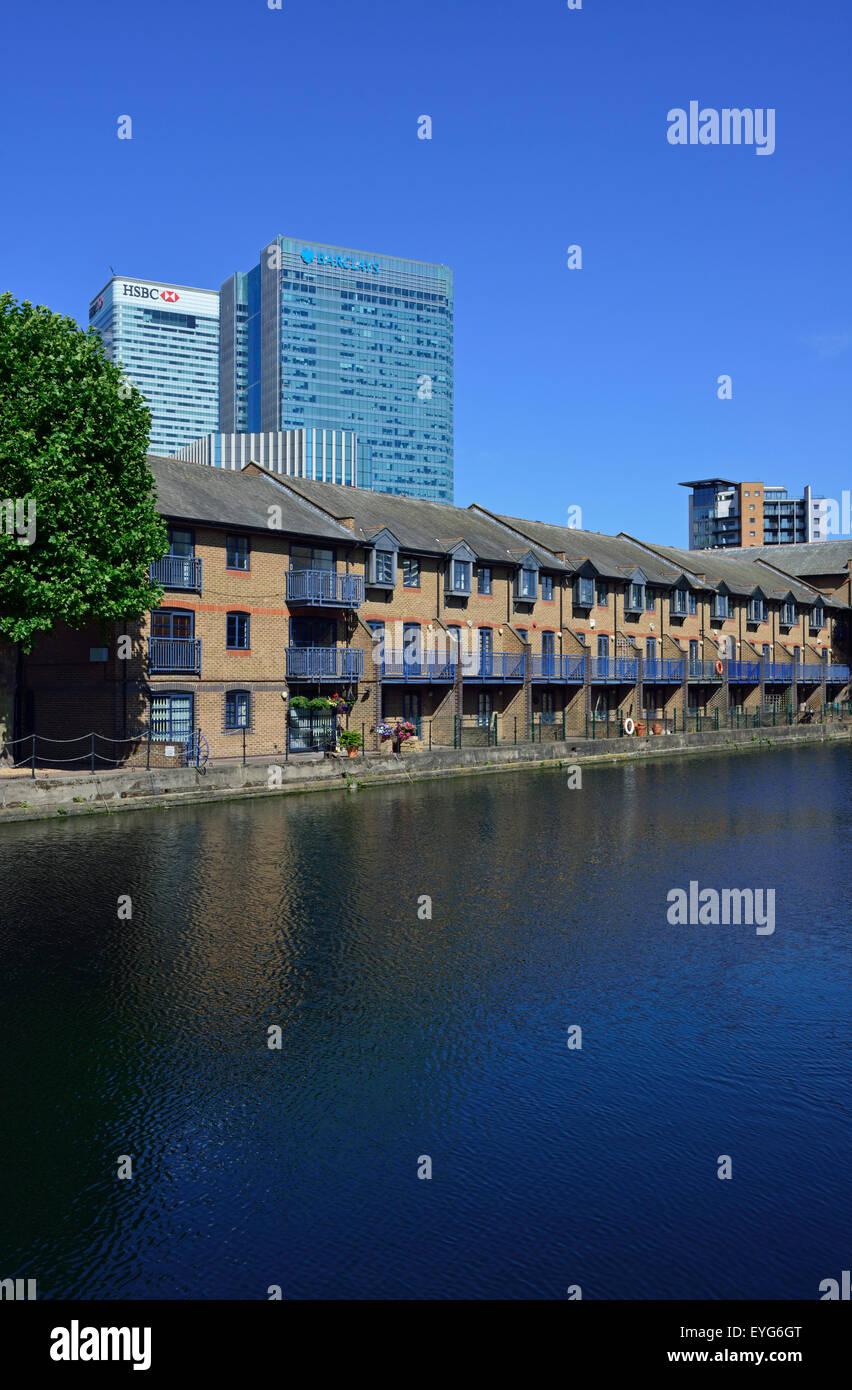 Water side housing, Canary Wharf, London E14, United Kingdom Stock Photo