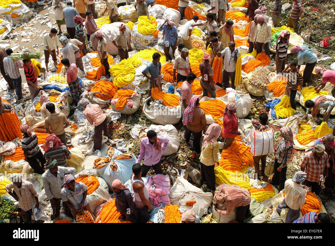 Flower Market, Mullick Ghat, Kolkata. - Stock Image