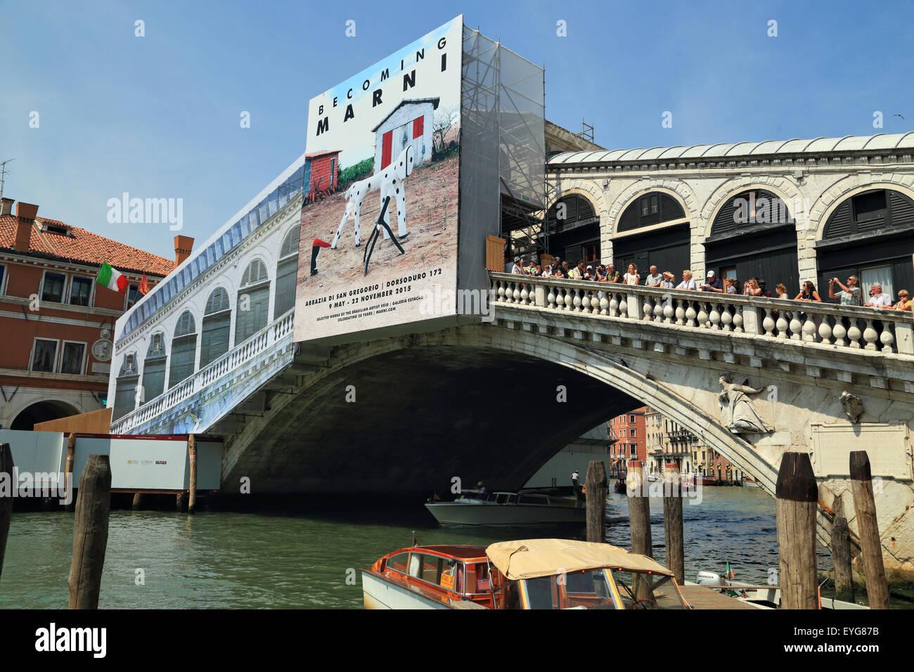 Rialto closed. Restoration work at  Ponte di Rialto (Rialto Bridge) 2015 - Stock Image