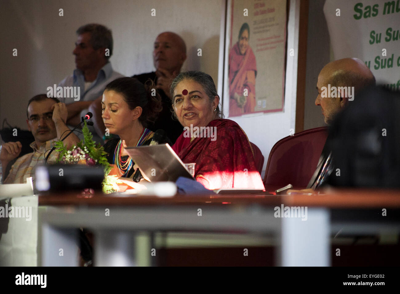 Sardinia, Italy. 28th July, 2015. Indian activist Vandana Shiva during a public speech organized by ISDE (Doctors - Stock Image