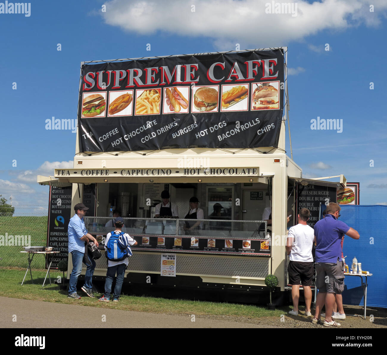 Event catering, Supreme Cafe, tea,coffee refreshments at summer event - Stock Image