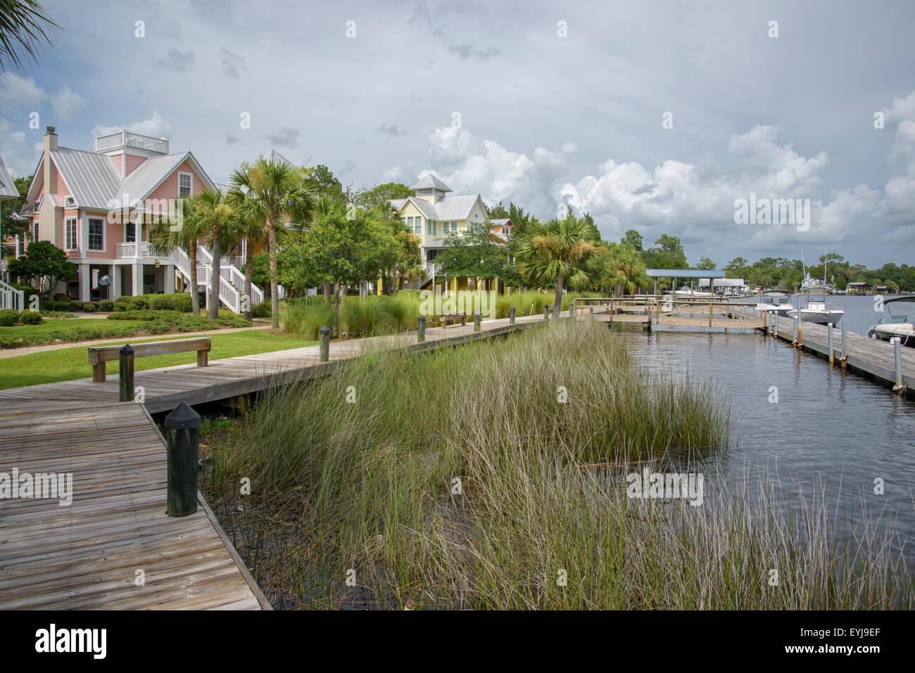 Docks on river at Steinhatchee, FL - Stock Image