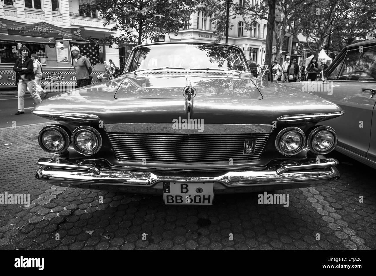 BERLIN - JUNE 14, 2015: Luxury car Imperial Custom 4-door Southampton, 1961. Black white. The Classic Days on Kurfuerstendamm. - Stock Image