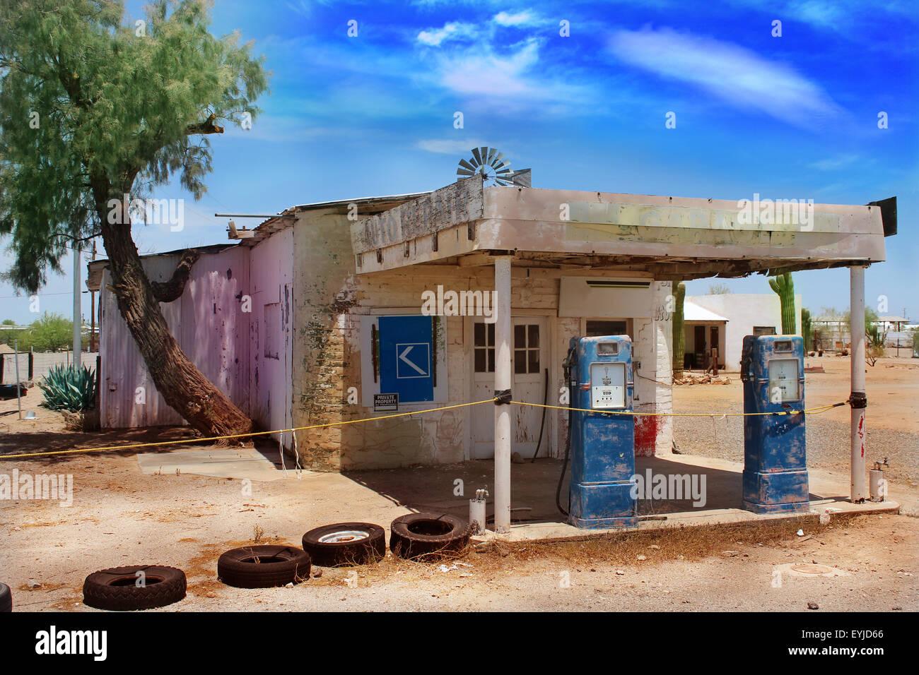 Old Abandoned Gas Station In Arizona Desert Stock Photo Alamy