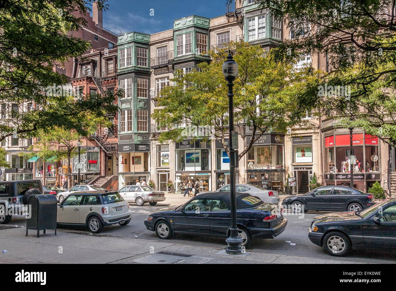 Shoppers and visitors along Newbury Street ,Boston's premier shopping destination, Boston ,Massachusetts - Stock Image